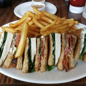 CLASSIC CLUBHOUSE SANDWICH